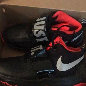 Nike team hustler D 8 JDI size - 6.5youth